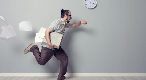 Spóźnianie się do pracy powodem stresu? Nie dla większości Polaków