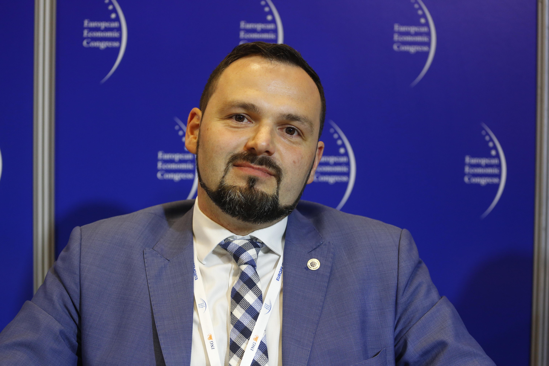 Kamil Wyszkowski z Global Compact w Polsce, dyrektor generalny Inicjatywy Sekretarza Generalnego ONZ uważa, że nad opodatkowaniem robotów warto się zastanowić. Fot. PTWP