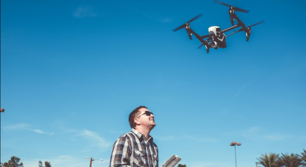 W krajowej przestrzeni powietrznej jest ok. 100 tys. dronów. Ich liczba będzie rosła