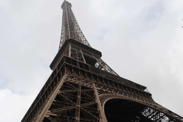 We Francji kodeks etyki dla urzędników. Koniec z zatrudnianiem członków rodziny