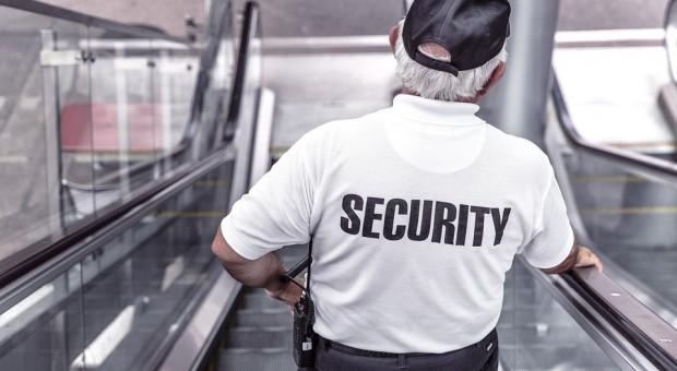 Firmy ochroniarskie upadają i zwalniają