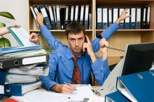 Maile i telefony rozpraszają pracowników i zmieniejszają ich efektywność