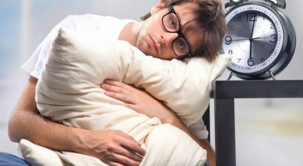 Praca po godzinach i przemęczenie obniżają efektywność pracowników