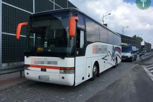 Śląskie: Inspektor transportu drogowego zastąpił kierowcę autokaru z młodzieżą