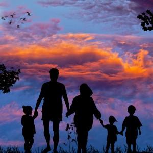 Coraz więcej par decyduje się zostać rodzicami zastępczymi