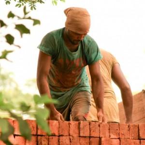 Pracodawcy nielegalnie zatrudniają cudzoziemców. Także agencje pracy tymczasowej