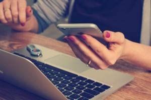 Work Service uruchamia mobilną aplikację. Pomoże połączyć pracownika z pracodawcą