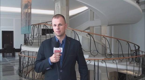 Kukiz'15 i ZZ Celnicy PL pytają o skalę zwolnień w KAS