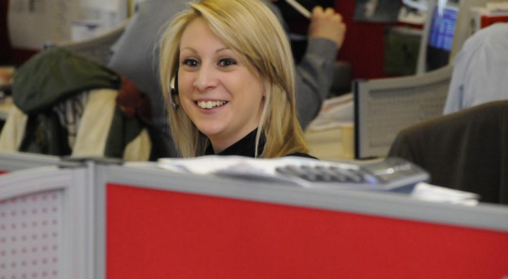 Ile zarabia się w call center i w biurze obsługi klienta?