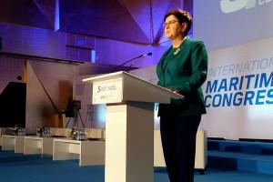 Premier: Rząd odbuduje przemysł stoczniowy