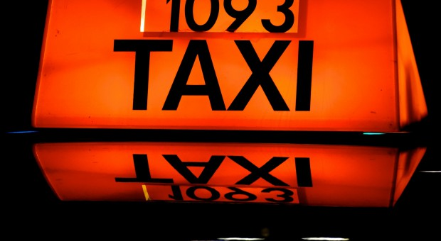 Protest taksówkarzy w stolicy. Urząd niepoinformowany, policja gotowa