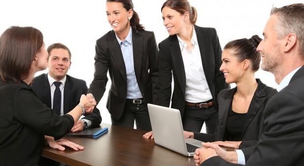 Kobiety na rynku pracy. Kiedy parytet płci wśród kierownictwa firm?