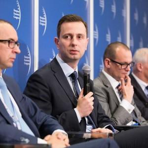 Kosiniak-Kamysz wie jak zatrzymać pokolenie X i Z  w Polsce