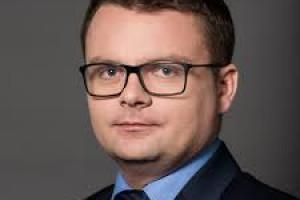 Filip Świtała odwołany ze stanowiska zastępcy przewodniczącego KNF