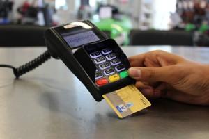 Sklepikarze dostaną terminale płatnicze za darmo