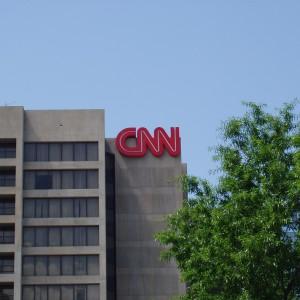 CNN: Dziennikarze odeszli z pracy przez artykuł o doradcy Trumpie