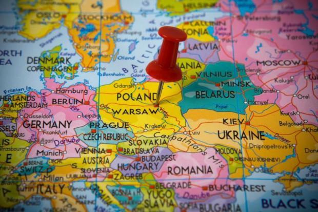 Centra usług wspólnych w natarciu. Polska walczy z Chinami i USA