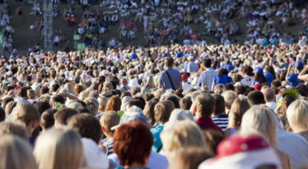 Liczba cudzoziemców w Polsce rośnie. Wnioski składa coraz więcej Białorusinów i Hindusów