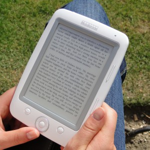 Amazon przekazał książki i e-booki dla szkoły