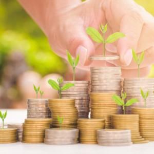 Pensje Polaków rosną szybciej w sektorze przedsiębiorstw niż w sferze budżetowej