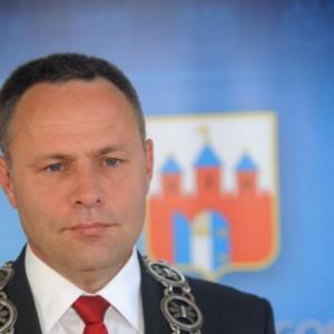 Burmistrz Bydgoszczy straci stanowisko przez... teatr i in vitro?