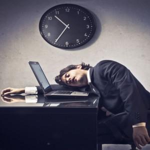 Zbyt długie przesiadywanie w pracy grozi arytmią serca
