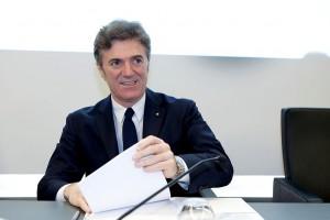 Włochy: Kłucą się o 30 mln euro odprawy dla szefa Telecomu
