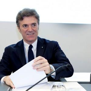 Kłócą się o 30 mln euro odprawy dla szefa Telecomu
