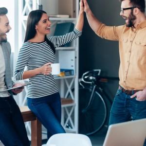 Pokolenie Z właśnie wchodzi na rynek pracy. Jak się na nich przygotować?