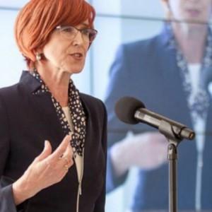 Elżbieta Rafalska: Bezrobocie w Polsce wciąż będzie spadać