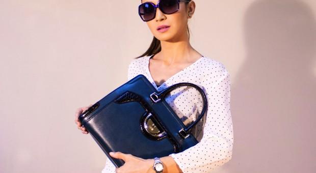 5ffc5637fdb1b Czy torebka od Prady, Louis Vuitton, kostium od Chanel mogą zwiększyć  szanse na znalezienie lepiej płatnej pracy? Według informacji opublikowanej  w Harvard ...