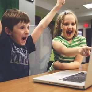Nauka jak gra komputerowa. Start-up zmienia nauczanie w polskich szkołach