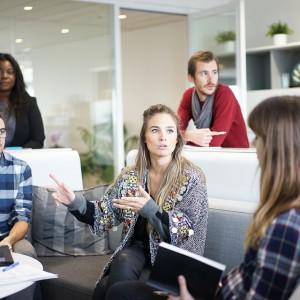 Amerykanie rewolucjonizują firmową komunikację. Rynek wart nawet 118,7 mld dol.
