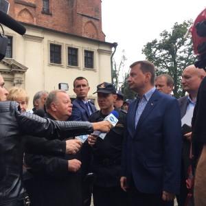 Schetyna: Mariusz Błaszczak nie nadaje się na szefa MSWiA