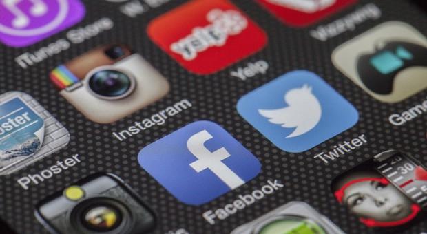 Firmy tworzą własne media społecznościowe. Dla pracowników