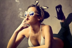 Siedzenie przy biurku szkodliwe jak palenie papierosów