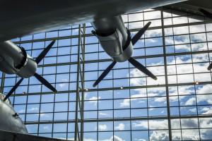 Obsługa lotniska strajkuje. Chcą pełnych etatów i premii