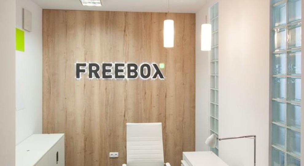 Marka firmy na pierwszym planie. FreeBox postawiła na space branding