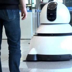 """Skoro ludzie pracują jak roboty, to """"zatrudnią"""" automaty"""