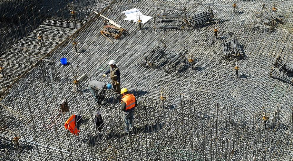 Wynagrodzenia w przemyśle, budownictwie i sektorze przedsiębiorstw. W którym regionie zarobisz najwięcej?
