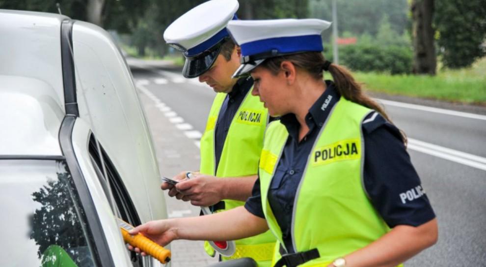 Policjanci będą nosić kamery na mundurach