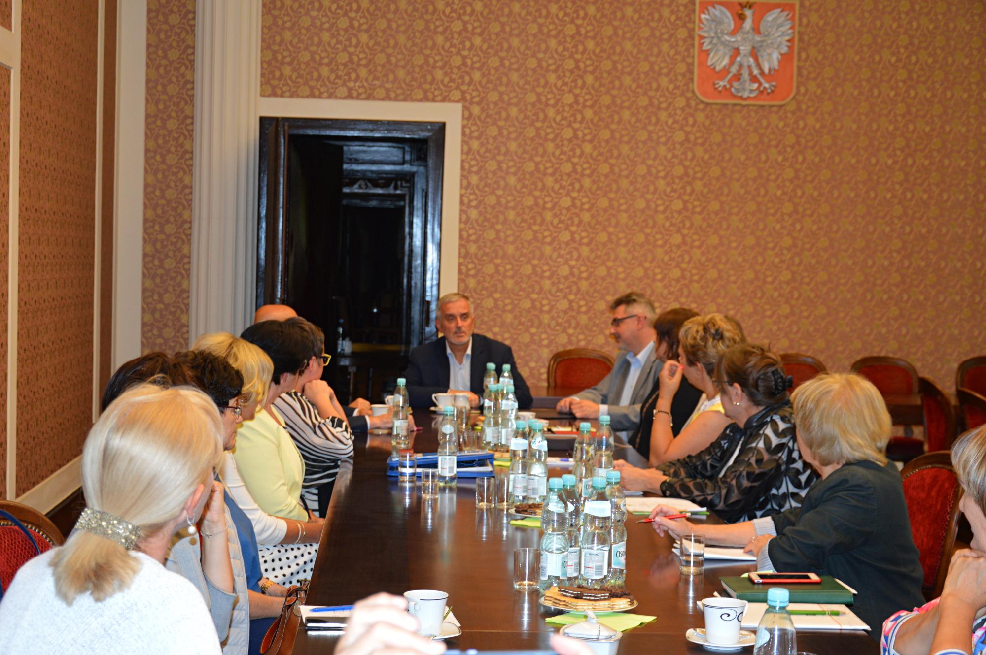 Do tej pory odbyły się już dwa spotkania, na których dyskutowano o coraz trudniejszej sytuacji podmiotów medycznych związanej z deficytem kadry pielęgniarskiej (fot.mat.pras.)