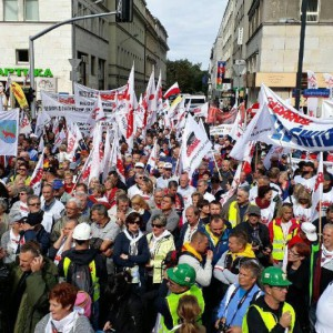 Głośny protest: Zróżnicowanie wieku emerytalnego to nie dyskryminacja