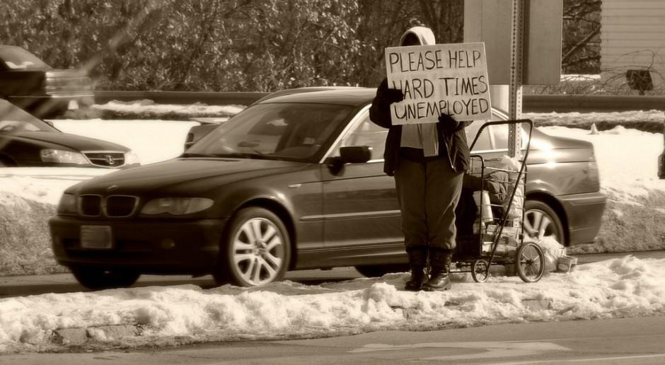 Długotrwałe bezrobocie jest definiowane jako pozostawanie bez pracy przez minimum 12 miesięcy. Skrajne sytuacje to osoby pozostające bez zatrudnienia przez lata, źródło: James Lee/flickr.com/CC BY 2.0