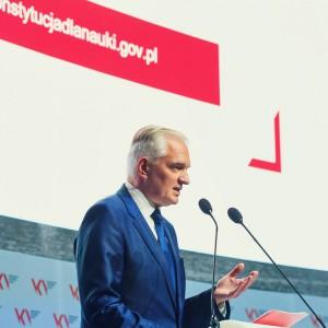 Wicepremier o reformie szkolnictwa: Nowe programy i więcej pieniędzy dla uczelni