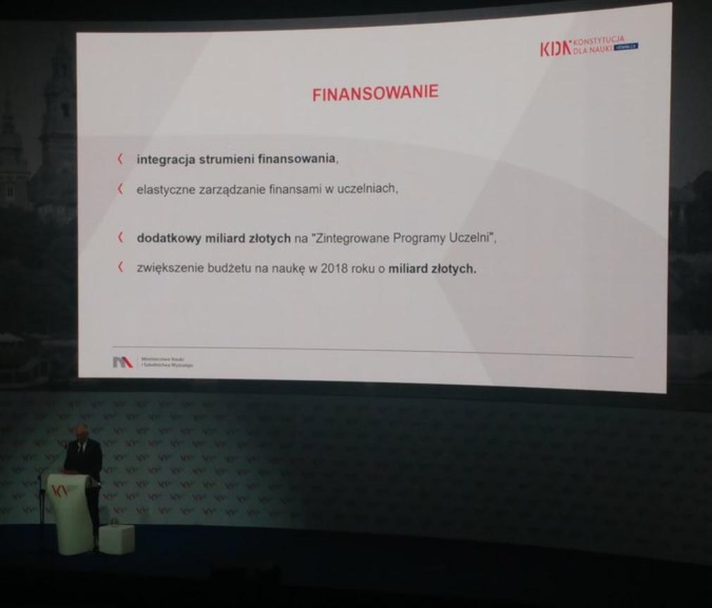 Mechanizm finansowania takich uczelni będzie oparty o wieloletni kontrakt - powiedział wicepremier (Jarosław Gowin, fot. nauka.gov.pl)