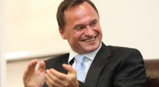 Leszek Czarnecki zrezygnował z funkcji członka i przewodniczącego rady nadzorczej spółki LC Corp