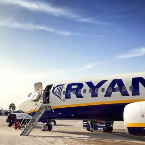 """Czy leci z nami pilot? Ryanair ma ofertę """"nie do odrzucenia"""""""