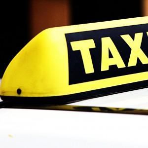 Taksówkarze powinni bardziej uważać w pracy