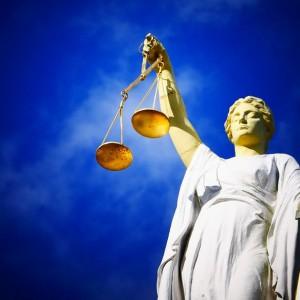 Pracownicy sądownictwa grożą protestem. Chcą więcej zarabiać